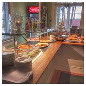 Pitopalvelu Kangala - juhlatila - buffet tarjoilu - Vehoniemen Alamaja